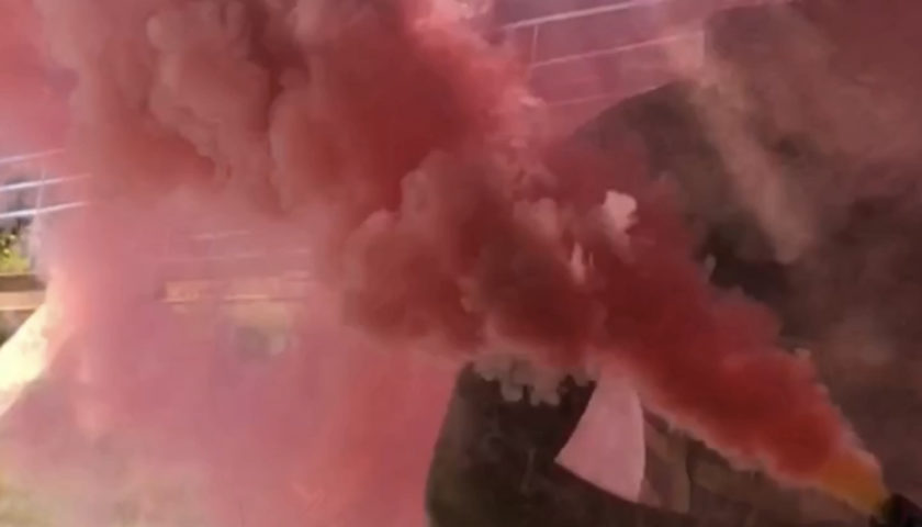 Шашка дымовая красная